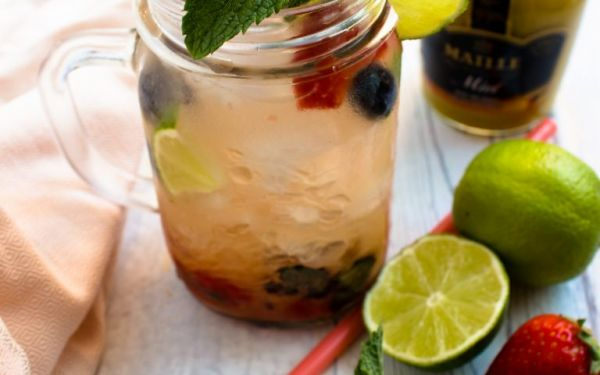 Must-Berries Caipiroska